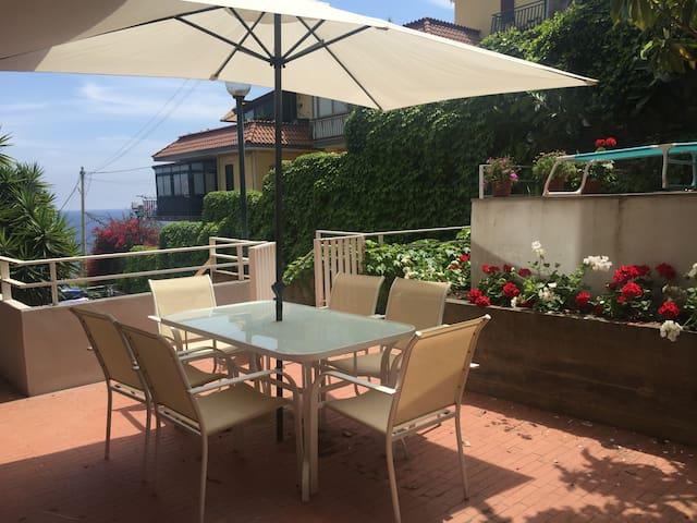 Casa con terrazza con vista sui faraglioni - Aci Castello - Wohnung