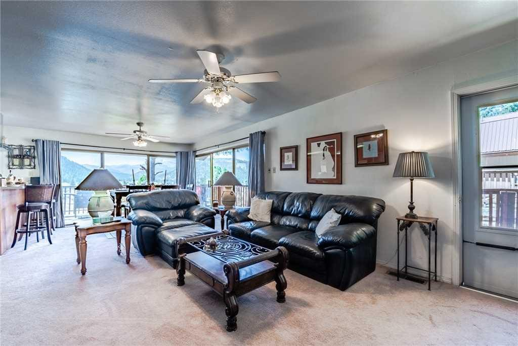 Great Space - The living room seats are comfortable, the view is spectacular, and the Ruidoso experience is just around the corne