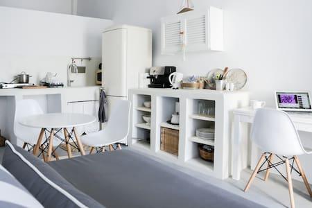 Cozy Cycladic home