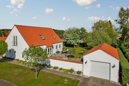 Familievenlig og hyggelig villa, Stensballe - Horsens