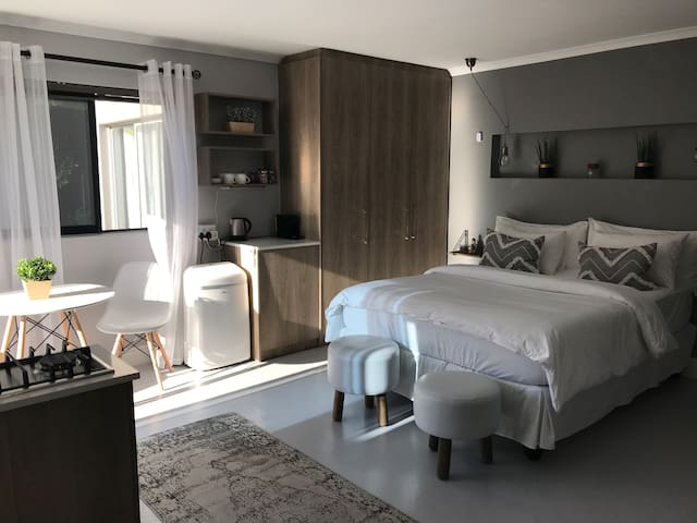 A Studio Apartment in a Tranquil Setting