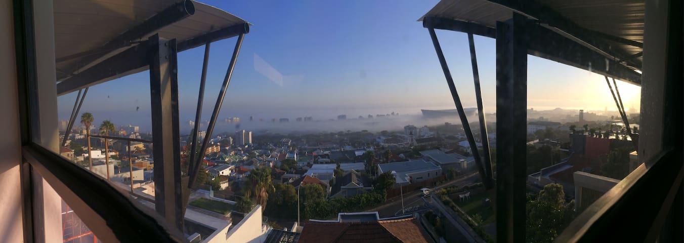 Luxury rental - Upper Greenpoint - Cape Town