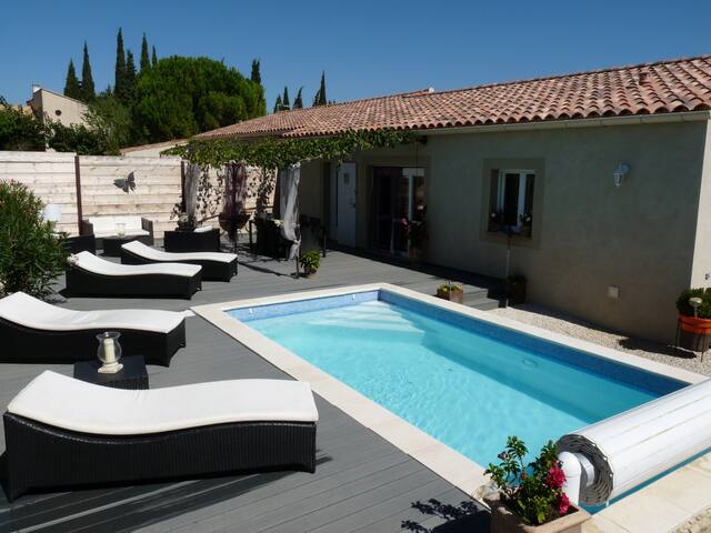 Villa near Avignon with heated pool