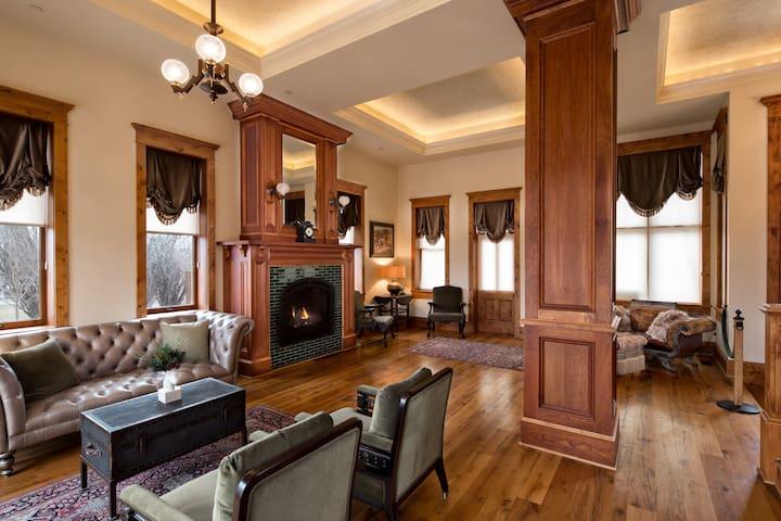 The Historic Kleemann House - Custer