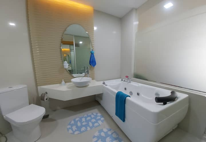Lovely Comfy Suite [Hot Jacuzzi] WIFI MRT KL City