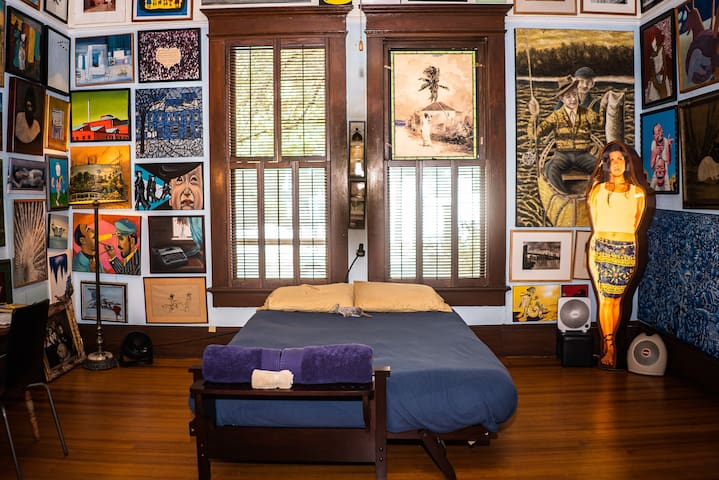 Blue Room Downtown Mansion