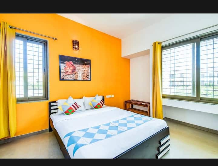 OVI'S Holiday  Homes 1bed- Living in Lonavala
