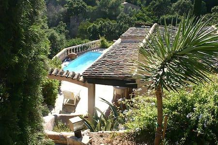 Mas provençal vue mer 250m plage piscine 6 pers+2 - Rayol-Canadel-sur-Mer - Casa