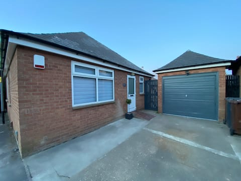 Entire Bungalow - Free Parking - Lincoln Bailgate