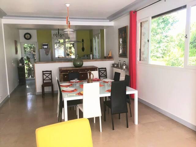 Belle villa  165m²  2 à 10 personnes proche Paris