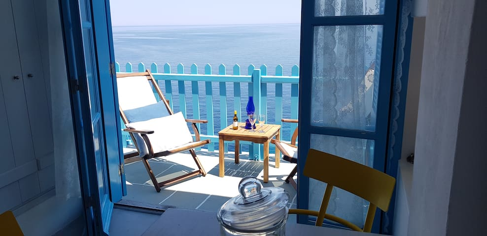 Aegean Eye Premium 4 Person Studio Amazing Seaview