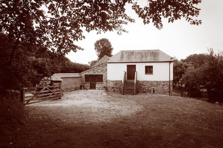 Ancient Cob Barn at Roseweek