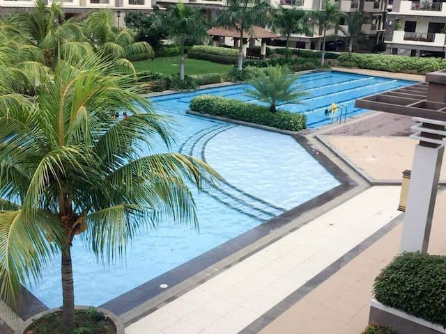 Utopia-Fully furnished condo proximate to BGC.