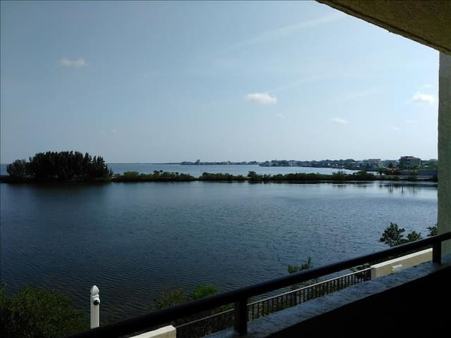 Gulf Island 207 | 2 Bedroom, 2 Bathroom
