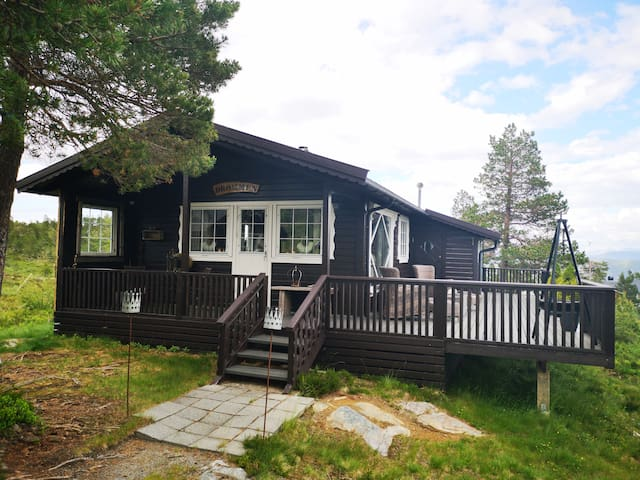 High standard cabin with view, hiking and fishing