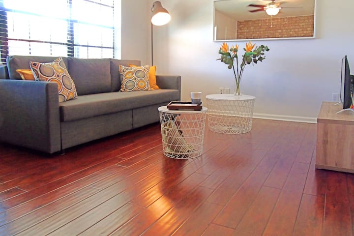 Lovely Condo Perfect for Charleston Visit