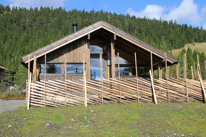 Trollbu - family cabin rent out. Ski in ski out!