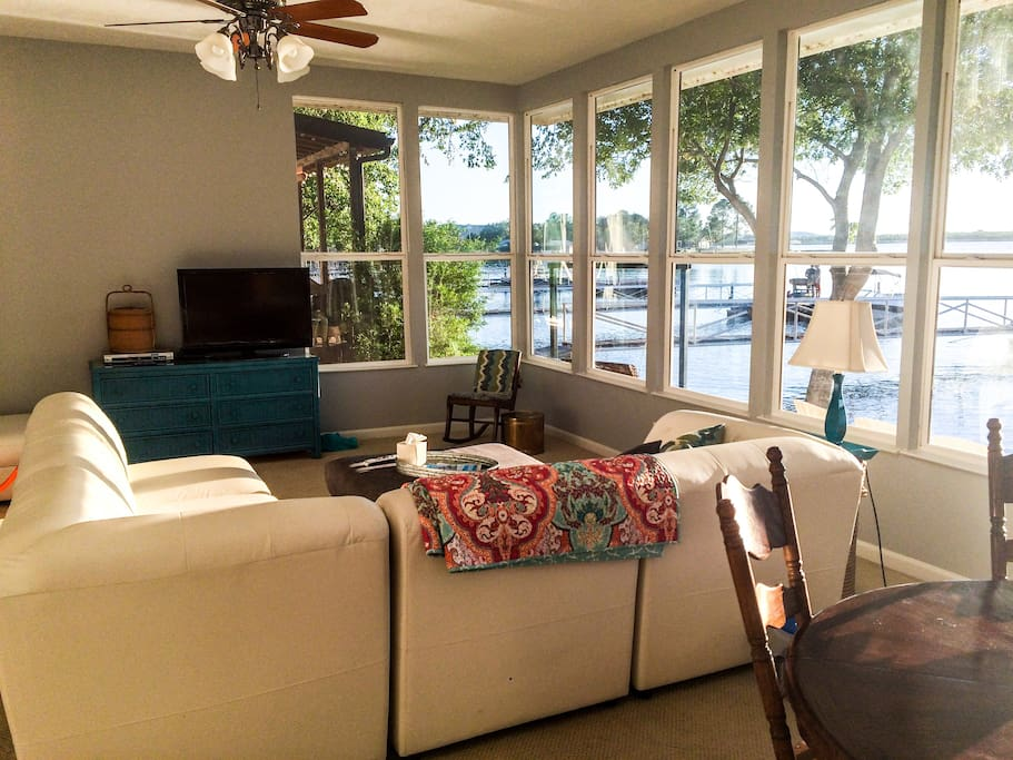 Lounge on the leather sectional while watching satellite television, DVDs or the incredible view of the lake.