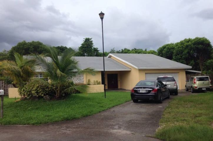 Casa Miami-Room#1