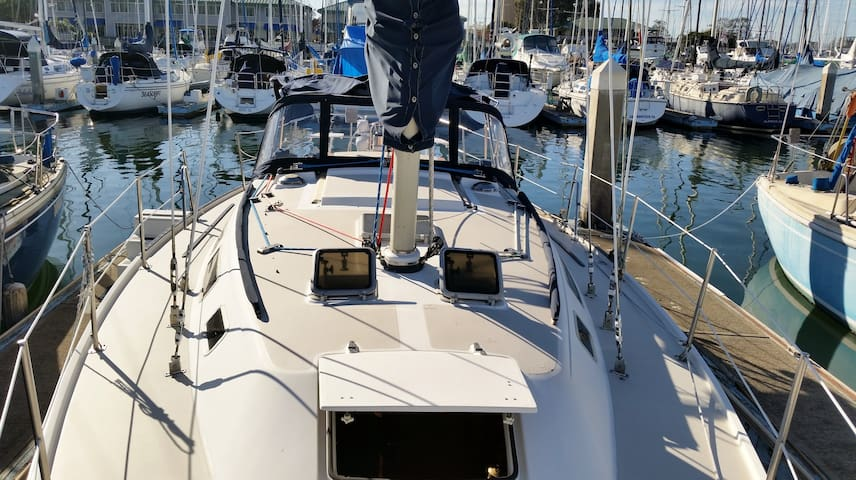 Your Own Condo on the water in a Luxury Yacht - San Francisco - Barco