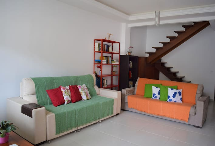 Wide en suite room near the beach - Angra dos Reis - Hus