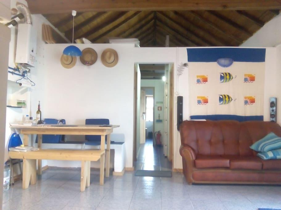 Vista da Sala/Cozinha para o Corredor