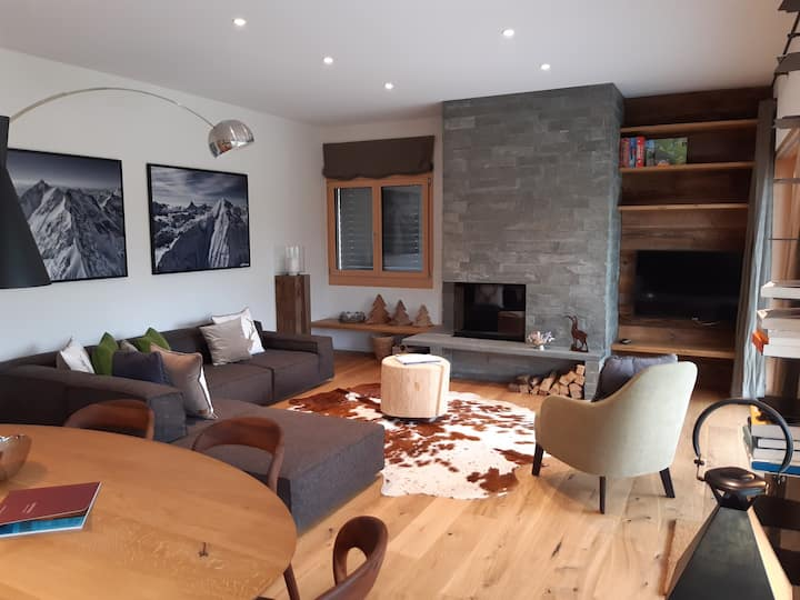 Luxurious 2 bedroom ensuite apartment & fireplace