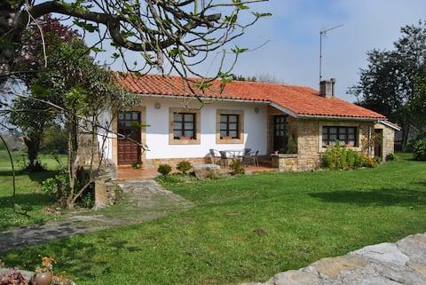 Casa típica Asturiana, cerca del mar y la montaña