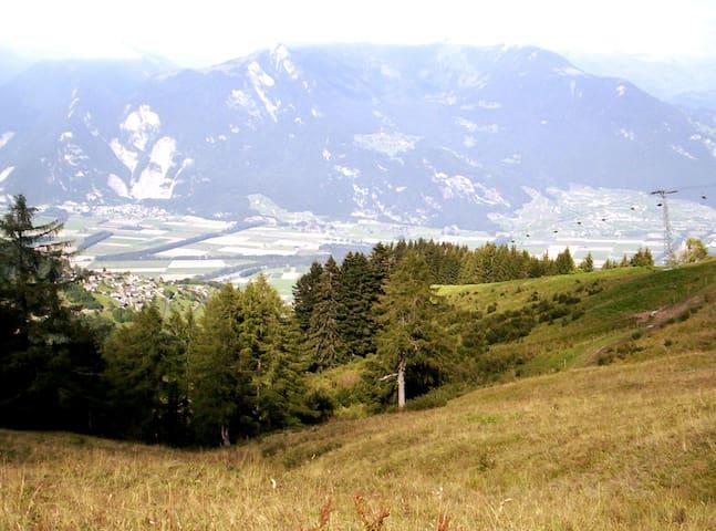 Mountain flat for 4, beautiful view, near skilifts