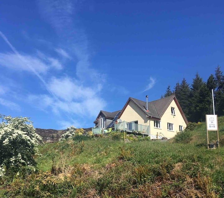 Achmore self-catering  Peaceful Highland Glen