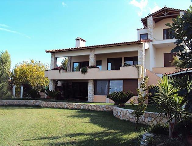 Villa Georgiou - Dilesi - Casa de camp