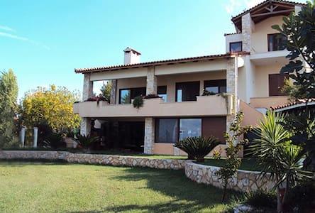 Villa Georgiou - Dilesi - Villa