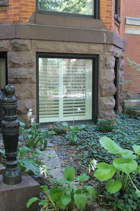 garden apartment front windloe