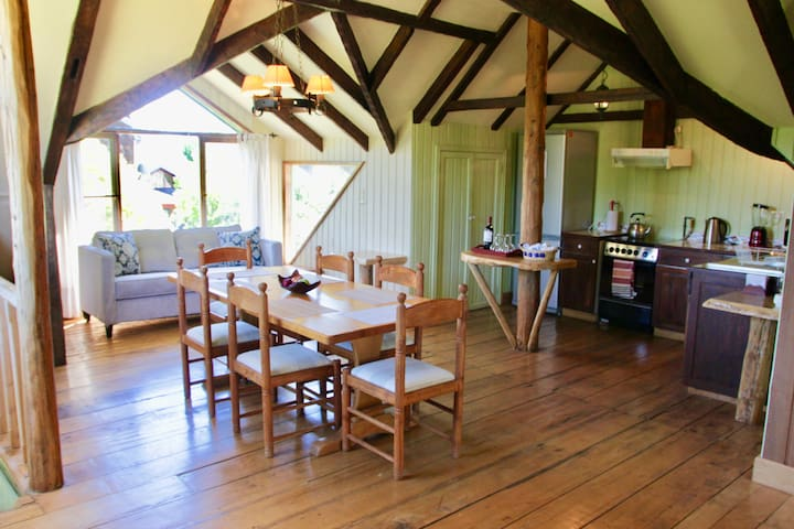 Quinta del Lago Large Cabin - with Activities! - Puerto Varas - Hus