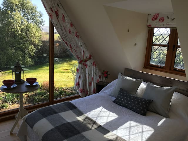 Private garden Annexe with a VIEW! - Stogumber - Bed & Breakfast
