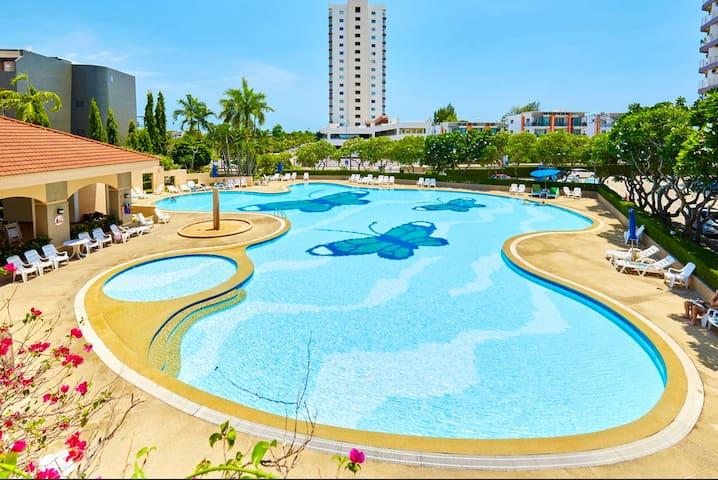 Jomtien Beach Condo near the beach -ALL include - Pattaya - Departamento