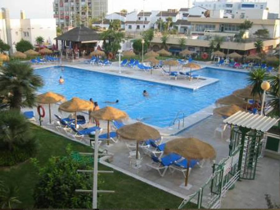 Varias piscinas