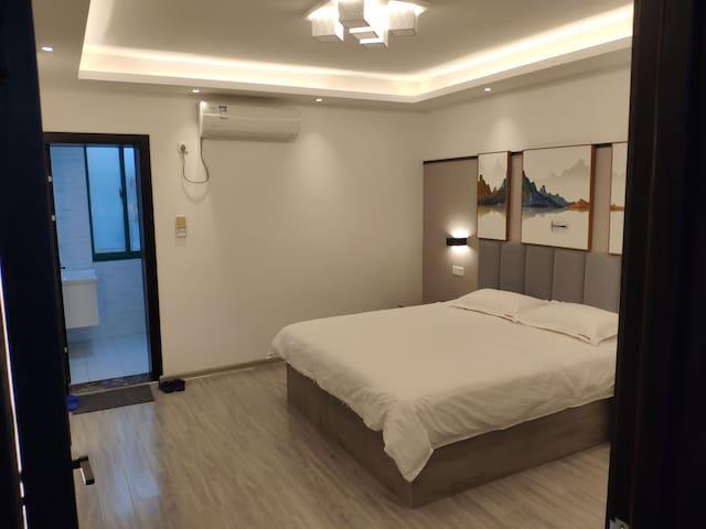 长途汽车总站东工商河路药王楼北邻精品酒店公寓1.8米乳胶床垫大床
