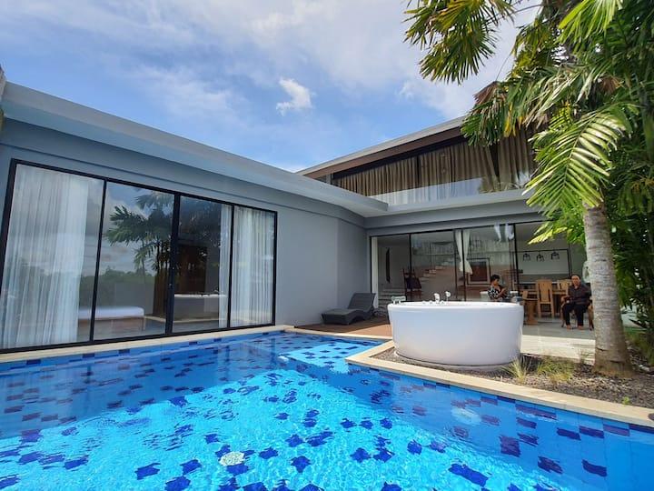 Modern 3BR Villa with Jacuzzi in Nusa Dua