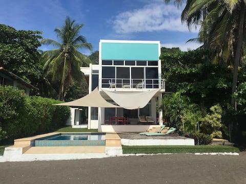 Modern Beach House- Aslan's Country