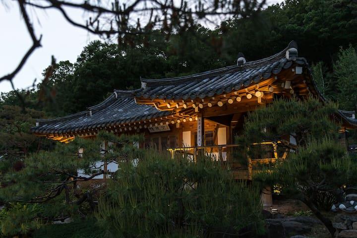 Chosun Royal residence 회덕당