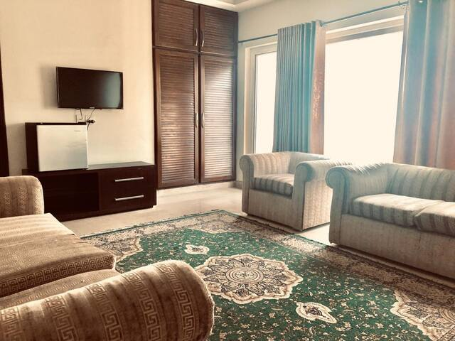 Suite with Balcony - Gulberg 2 Lahore