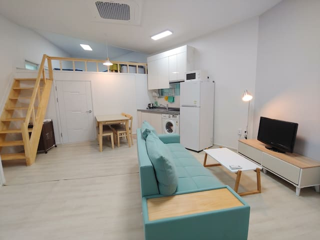 Simple and cozy flat perfect for family and group