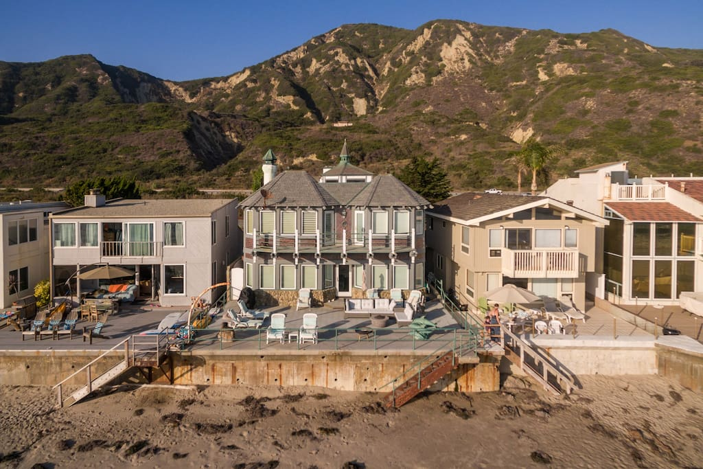 Enjoy outstanding views of the water and Channel Islands from this stylish oceanfront home.