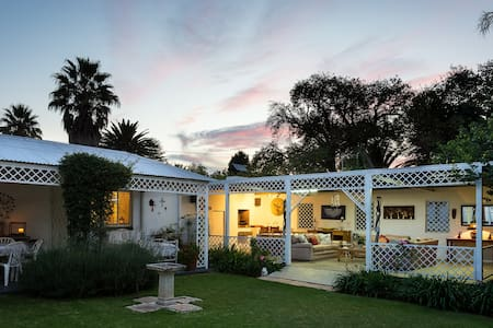 Cosy cottage in the heart of Parys