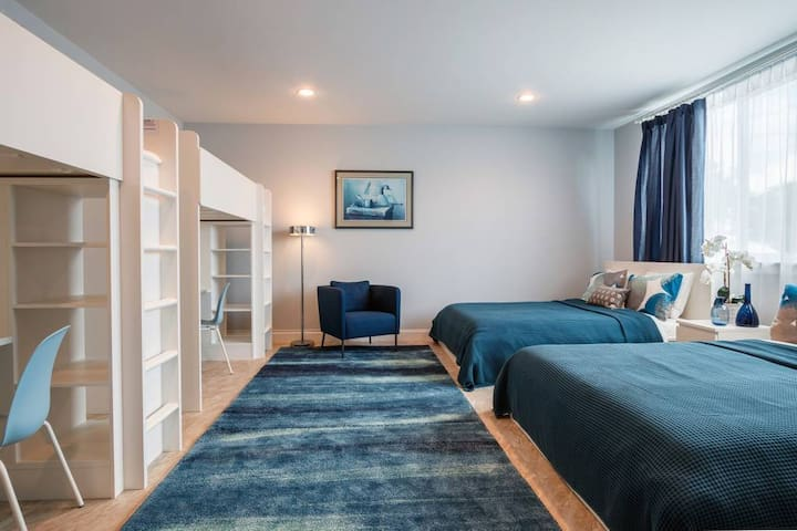 Apartment 3- Free parking, close to the beach