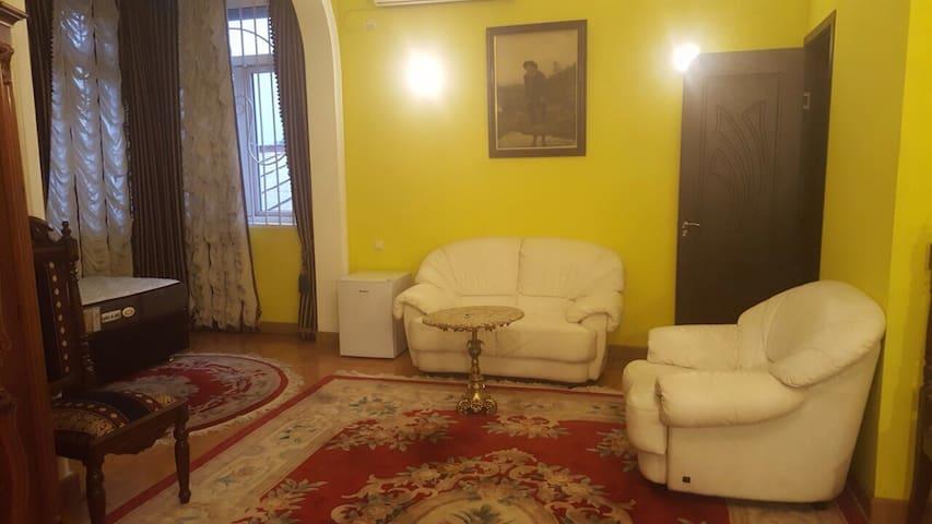 GUEST HOUSE QUEEN - Batumi