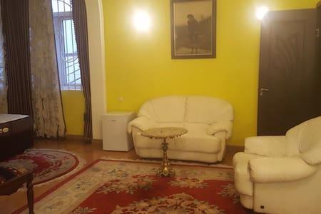 GUEST HOUSE QUEEN - Batumi - Bed & Breakfast
