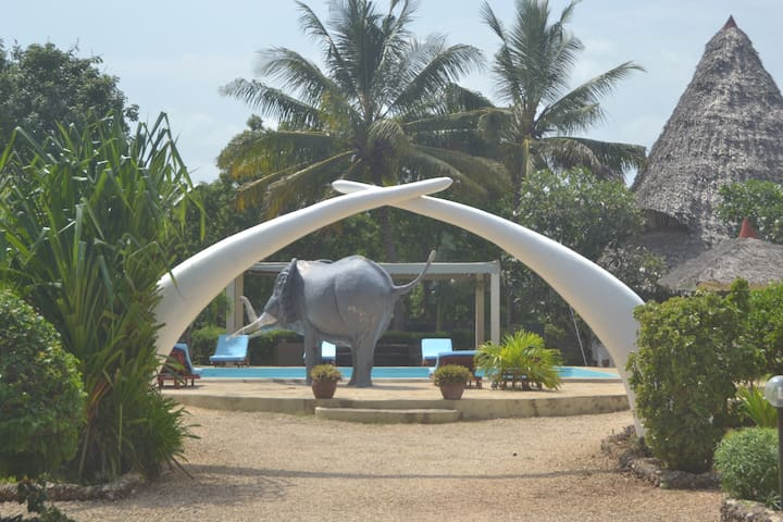 Diani GreenLand Leisure World Cottages