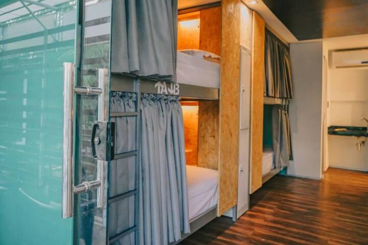 Quarto Ópera/Quarto Floresta - Dormitório 10 Camas